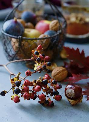figues , poires , pommes et noix