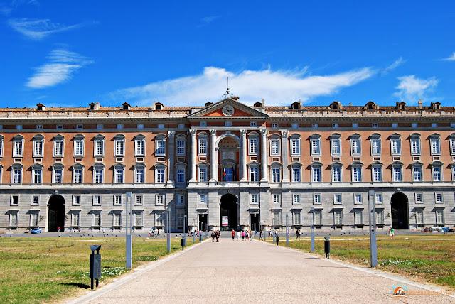 Reggia di caserta tra giardini stupendi e appartamenti reali warmcheaptrips - Giardini reggia di caserta ...