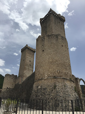 Pacentro's Castello dei Cantelmo-Caldora