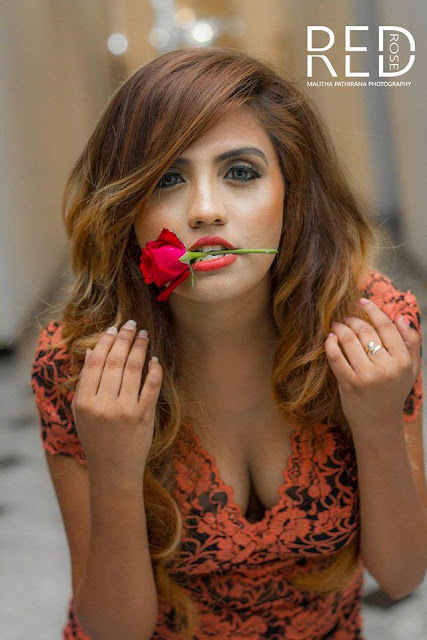 Model Sanshi Shanesha - RED ROSE