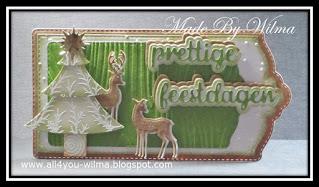 "Kerst-labels/tags met een kerstboom, hertjes en ""prettige feestdagen"" met schaduw. Christmas labels/tags with a Christmas-tree, deer and ""Happy Holidays"" (Dutch words) with shadow."