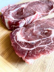 Garlic & Thyme Butter Steaks. #ad #unitedwesteak #iowabeef