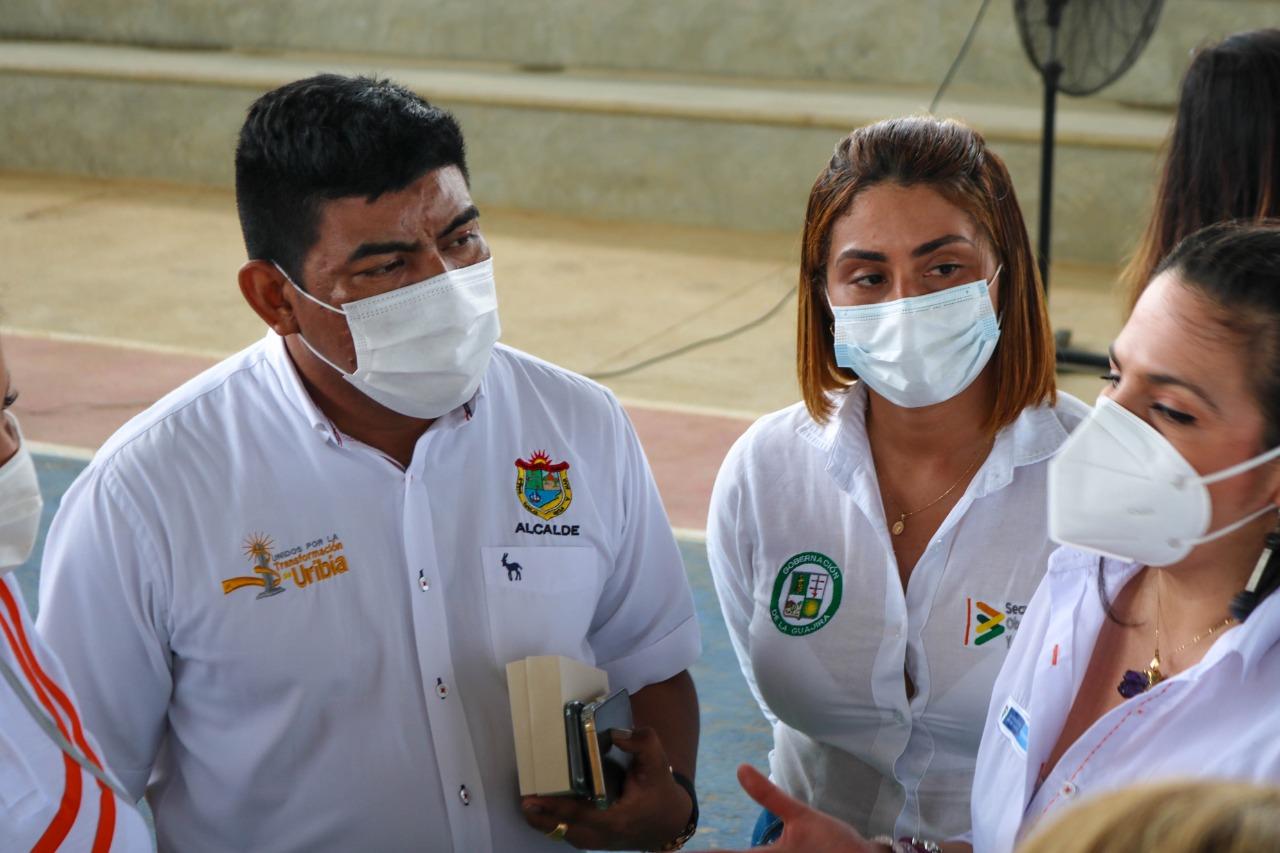 https://www.notasrosas.com/Gobernación y Alcaldía de Uribia, socializan proyecto de mantenimiento de corredores viales en La Alta Guajira