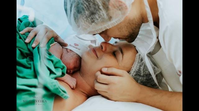 Младенец сжал в руке внутриматочную спираль, которая не оставила ему шансов, но случилось чудо