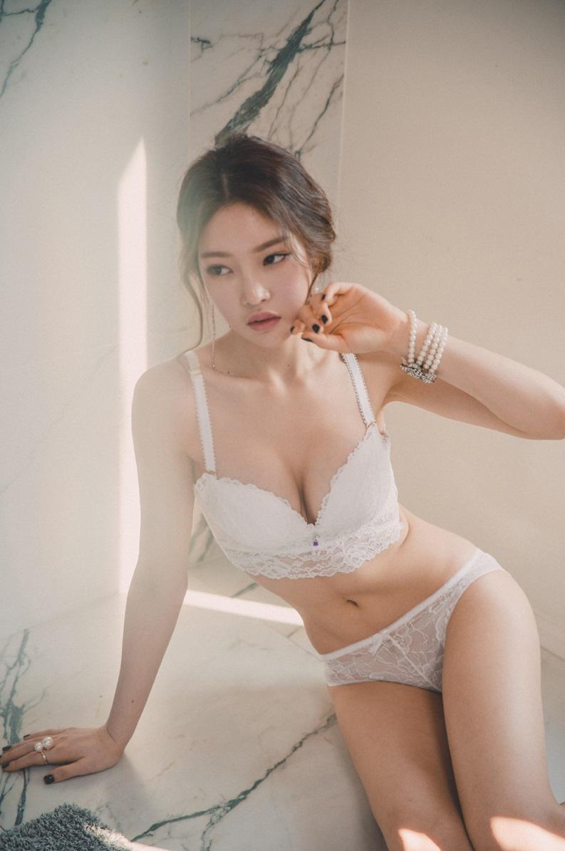 Cute japanese girls lingerie something is