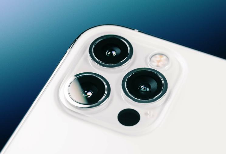 سعر ومواصفات iPhone 12 Pro