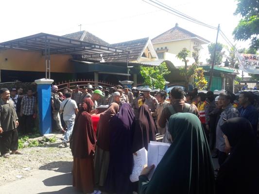 Bangunan Gereja Ditolak Warga, Walikota Solo Malah Meresmikan