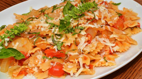 Tangy Pasta with Basil and Green Onions