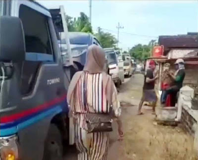 warga satu desa borong hingga 176 mobil