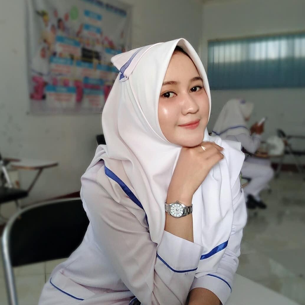 Kumpulan File Foto Wanita Berhijab Resolusi HD, Buat Belajar Edit Foto Vector