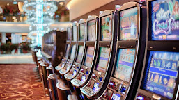 Are You Finding the Effective Tips and Guidelines to Play Slot Machine Game?