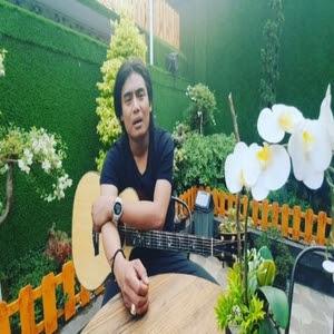 Download Lagu Mp3 Charly VHT - Belok Kanan Jalan Terus (Feat. Andi Soraya)