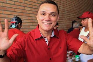 Em decisão apertada, cantor Amazan é eleito prefeito de Jardim do Seridó