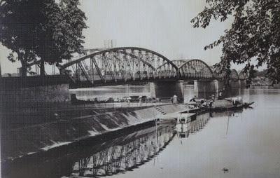 Cầu Tràng Tiền (Huế) 1930