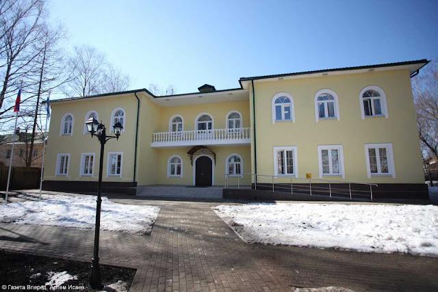 В Хотькове спасли школу искусств