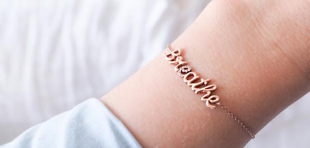 Qu'est ce qu'un bracelet personnalisé ?