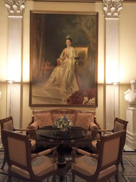 ritratto regina Guglielmina nel palazzo reale