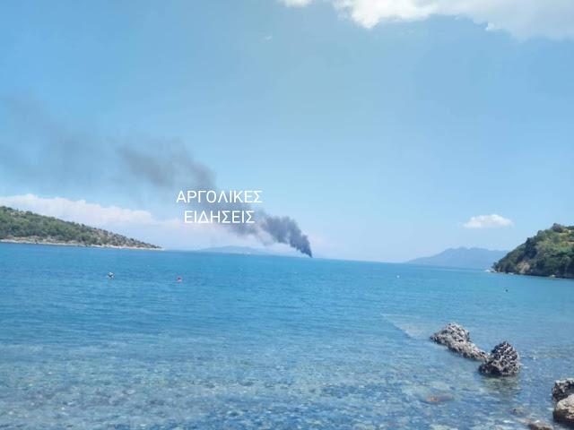 Φωτιά σε ιστιοφόρο σκάφος ανοιχτά της Αίγινας με 8 επιβαίνοντες