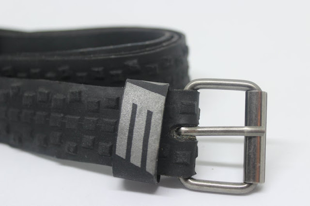 ceinture faite en pneus