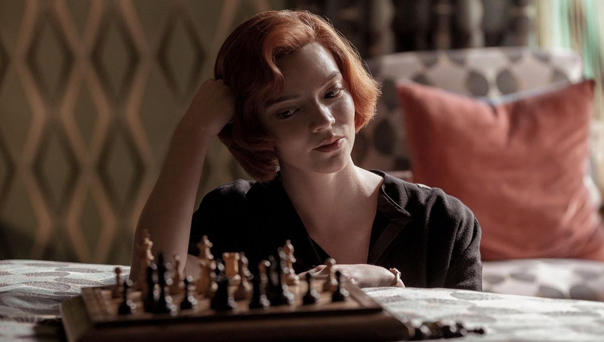 gambit królowej beth szachownica