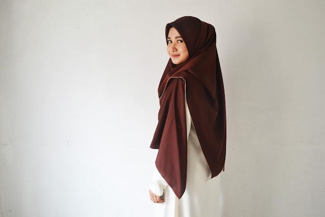 ヒジャブ女性の画像
