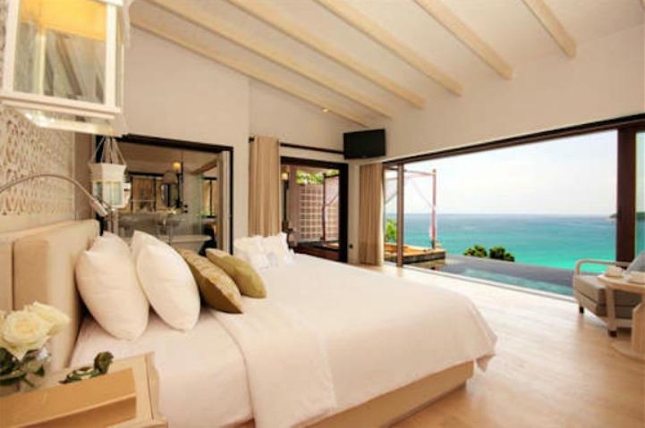 Coastal neutral bedroom with ocean view
