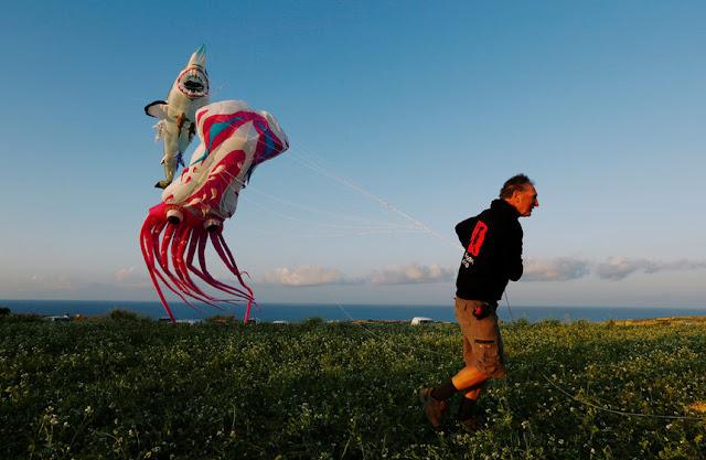 Професионални майстори на фестивала на вятъра и хвърчилата на остров Гозо (ВИДЕО)