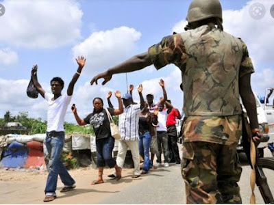 How Nigerian Soldiers Now Dehumanise Us On Owerri-Onitsha Road, Like It's A War Zone - Traveller