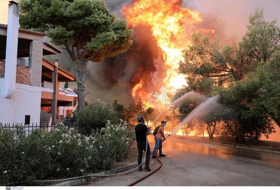 Καταγγελία- «βόμβα» για Βαρυμπόμπη: «Είδα άνδρες ντυμένους αστυνομικούς να βάζουν φωτιά»!