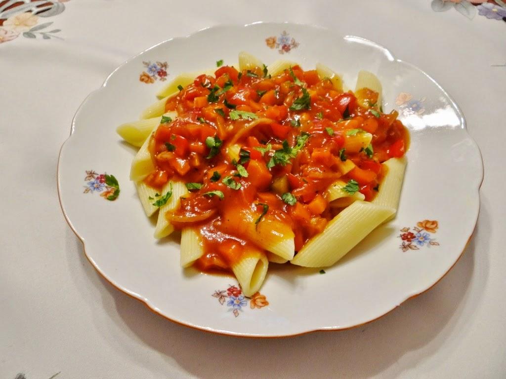 Makaron z sosem słodko-kwaśnym