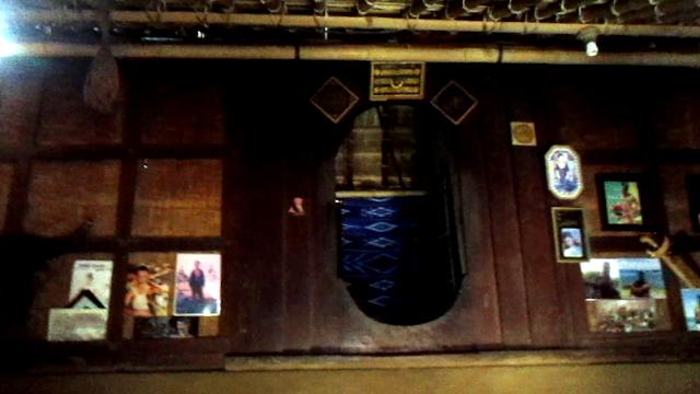 pintu rumah sade