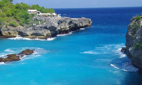 Nusa Ceningan Islands which are located  BeachesinBali: nusa ceningan isle bali