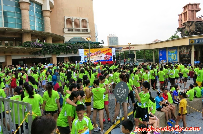 Roasters Chicken Run 2014, Sunway Lagoon, running event, chicken run, kenny rogers roasters, kenny rogers, charity run, lee sinje, yise loo