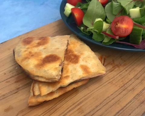Quick And Easy Cheese And Ham Quesadilla