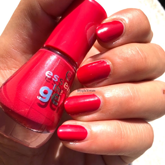 essence the gel nail polish 92 red carpet jel oje 5