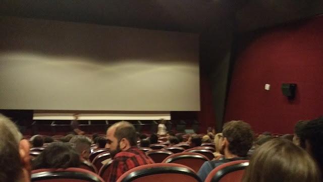 sala de la cine en el preestreno