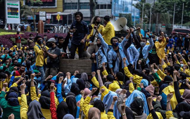 Pembangkangan Sipil Berskala Besar ke Jokowi Makin Membara