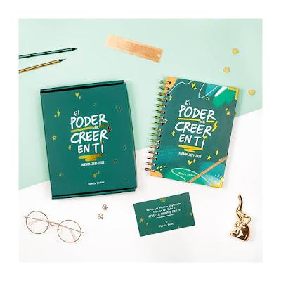 """Agenda de Pedrita Parker con letras en blancas sobre verde esmeralda, que ponen """"El poder de creer en ti"""""""