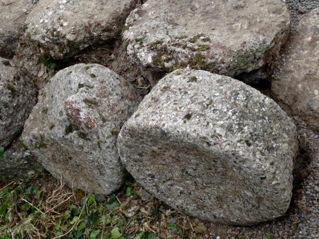 Le destin d'une collection de meules à grain gallo-romaines