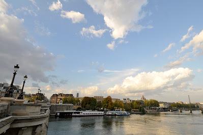 Pont Neuf along the Seine in Paris