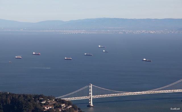 Bateaux en attente dans la Baie de San Francisco