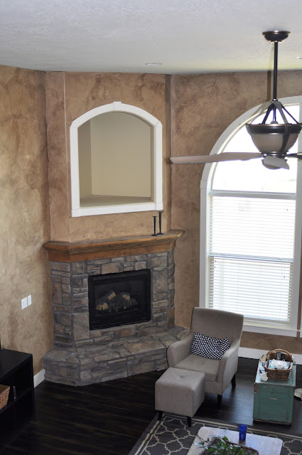 Fireplace niche design before from www.jengallacher.com. #fireplace #niche #fireplaceniche #fireplacemakeover #fireplaceremodel