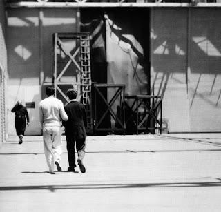 """Дуглас Фэрбэнкс на студии Чаплина во время съемок """"Золотой лихорадки"""" - 3"""