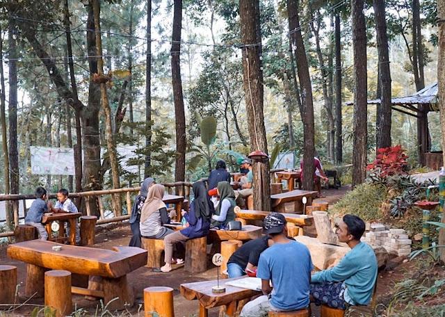 Kedai Hutan Cempaka Prigen Pasuruan