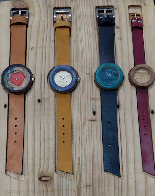 Jam tangan karya produk asli Indonesia