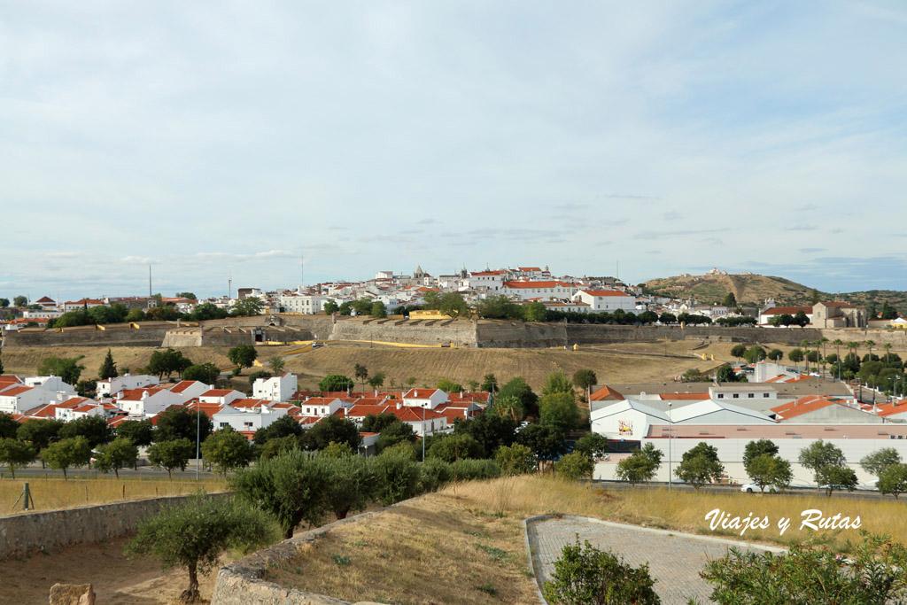 Vistas de Elvas desde el Fuerte de Santa Luzia