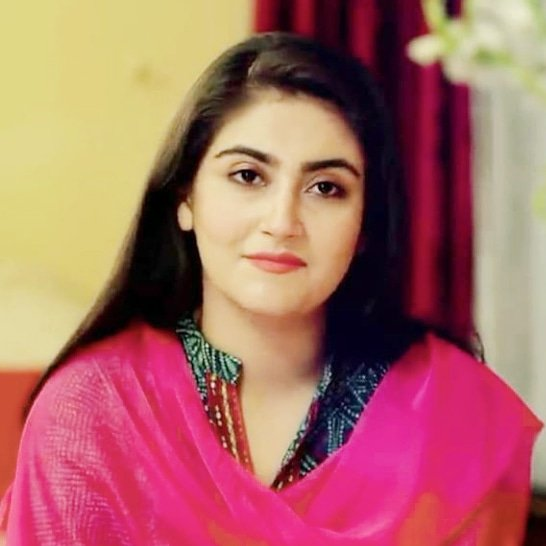Hiba Bukhari height & weight