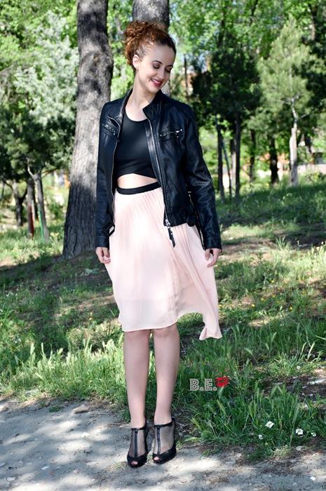 outfit-vestido-rosa-asimetrico-2