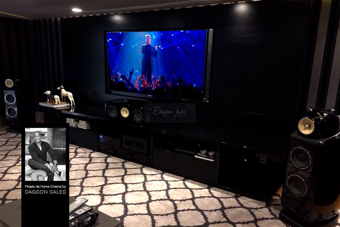 Dagson Sales projeta luuosa sala de home cinema para apartamento em Salvador / BA