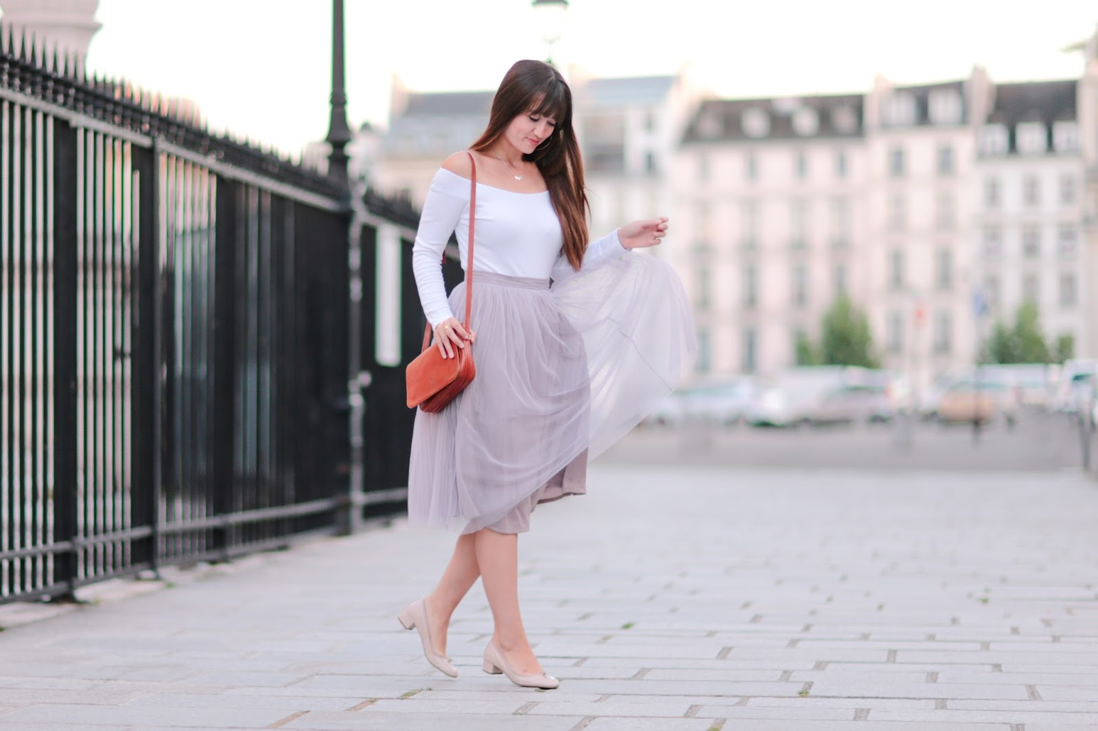 parisian fashion blogger, look, style, meetmeinparee, chic parisian style, off the shoulder top, asos , boohoo